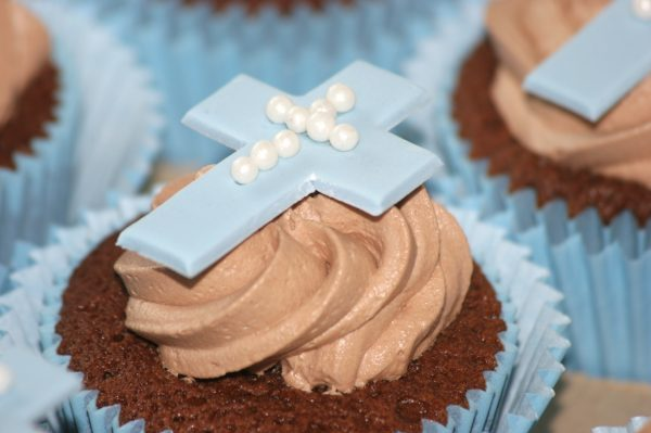 Communion-Confirmation Cupcakes