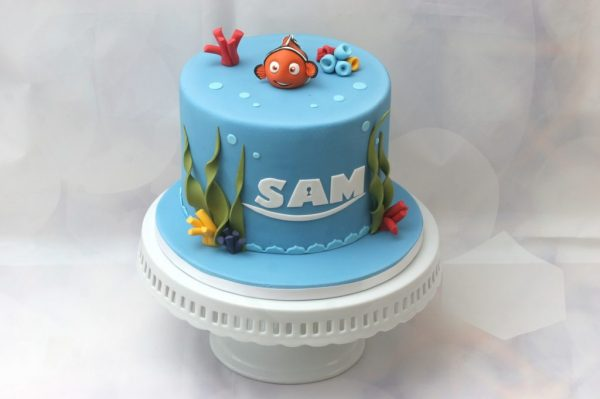 Cakes with 3D Toppers